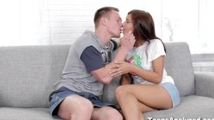 tenåring babe puling anal pornostjerne