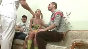 nydelig tenåring puling sædsprut barbert