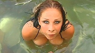 brunette hardcore blowjob hvit pornostjerne