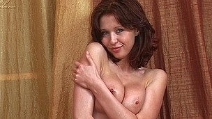 brunette tenåring hardcore dildo russisk
