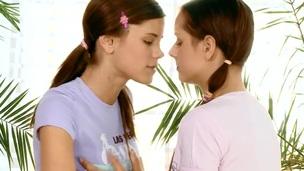 kåt hottie kyssing