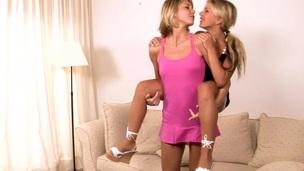 tenåring blonde pornostjerne lesbisk hore
