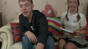 tenåring svær pen ansikt pigtail