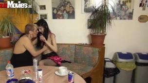 tenåring amatør lesbisk lingerie strømper