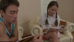 brunette tenåring hottie trimmet russisk