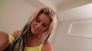tenåring blonde amatør nærhet soverom