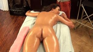 vill massasje ass sensuell olje
